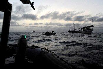 Наиболее опасные морские маршруты пролегают вблизи западного побережья Африки.