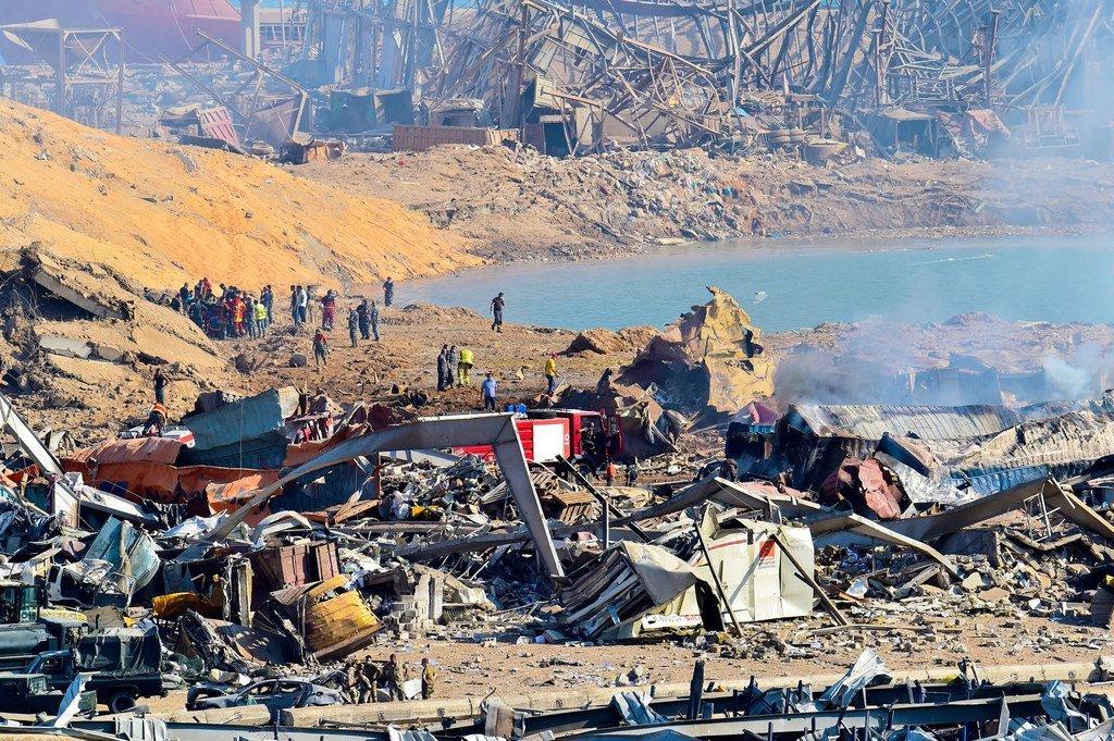 يقيّم العاملون في لبنان حجم الأضرار الناجمة عن انفجار بيروت.