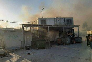 Daños por en incendio en el Centro de Registro e Indentificación de refugiados en Moria, Grecia.