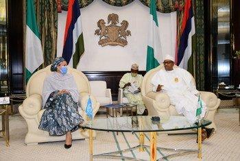 联合国副秘书长阿米娜·穆罕默德(左)在尼日利亚首都阿布贾会见总统布哈里。