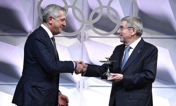 Presidente do COI, Thomas Bach, com alto comissário para os Refugiados, Filippo Grandi