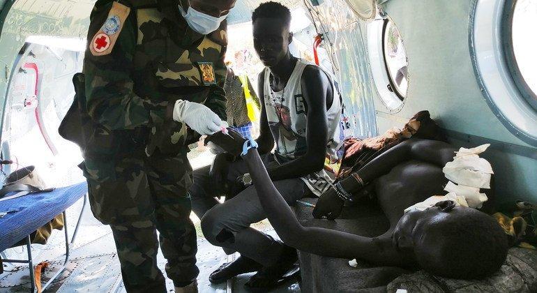 南苏丹特派团赞扬加纳维和人员为一名伤者提供紧急救生援助