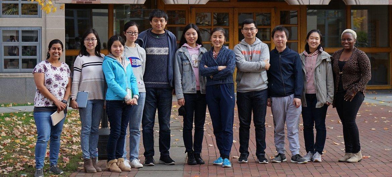 颜宁所在的普林斯顿大学分子生物学系及其团队。
