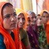 भारत के राजस्थान प्रदेश में, ग्रामीण महिलाओं को नेतृत्व के गुर सिखाती एक कार्यशाला.