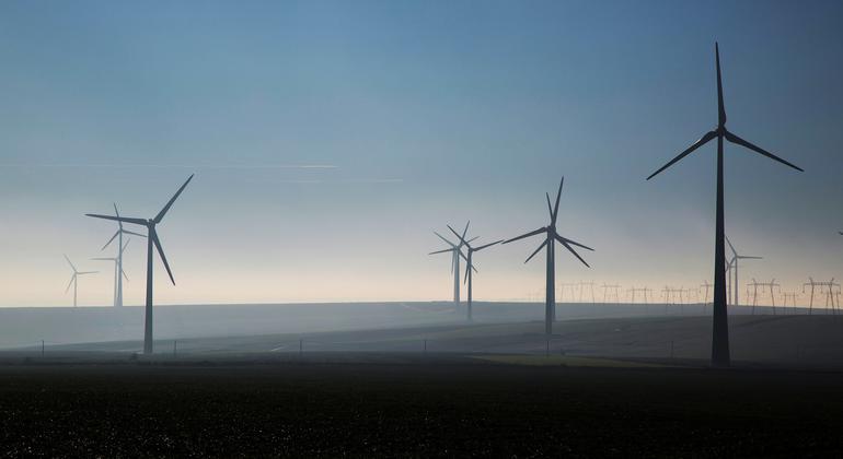 تساعد طاقة الرياح الدول في التقدم باتجاه الاعتماد على اقتصاد منخفض الكربون أكثر تنافسية.