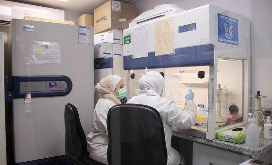 Laboratório em Damasco, na Síria, onde testes à Covid-19 são realizados. Novos testes encurtam o tempo de espera