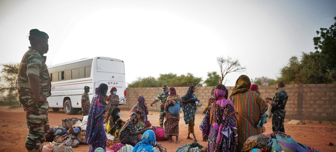 IOM assisted over 1,300 Nigeriens stranded in Burkina Faso after fleeing clashes in gold mining areas.
