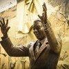 来自南非的纳尔逊·曼德拉雕像揭幕仪式。