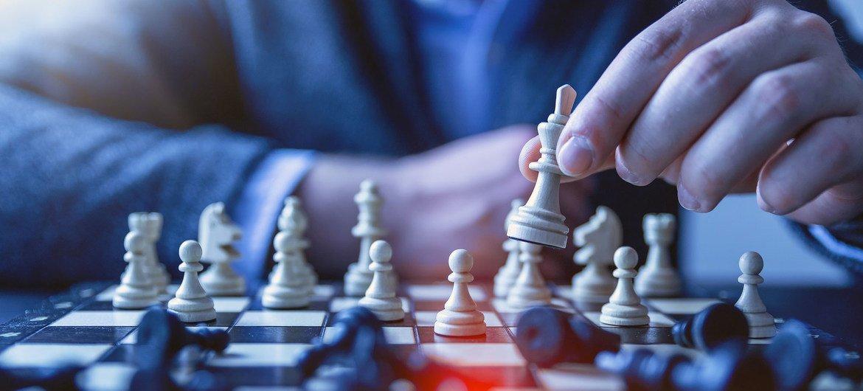 El ajedrez promueve la tolerancia y amistad entre los pueblos y naciones.