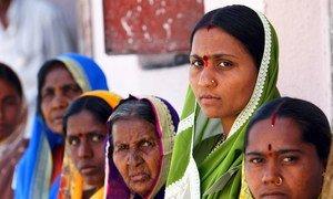 印度奥兰加巴德的妇女。