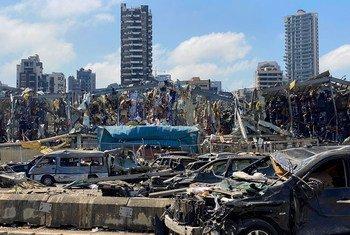 Scènes de destruction dans la zone portuaire de Beyrouth après la double explosion de mardi dernier.