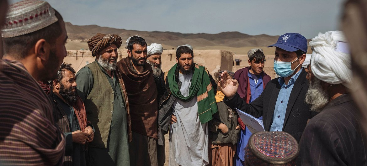 IOM are supporting displaced families in Afghanistan, providing emergency shelter and protection.