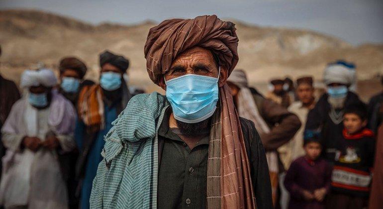 阿富汗有超过 500 万人在境内流离失所,其中包括赫拉特的这些家庭。