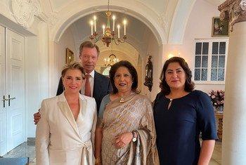 El Gran Duque Henri y la Gran Duquesa Maria Teresa de Luxemburgo, junto a la representante especial Pramila Patten y la activista afgana Chékeba Hachemi.