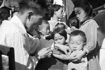 Chanjo dhidi ya ndui kwa watu wote katika eneo la Inchon na Seoul nchini Korea