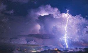 Una tormenta eléctrica vista desde Istria, Croacia.