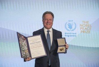 David Beasley, Directeur exécutif du Programme alimentaire mondial (PAM), reçoit le Prix Nobel de la paix 2020 décerné au PAM.