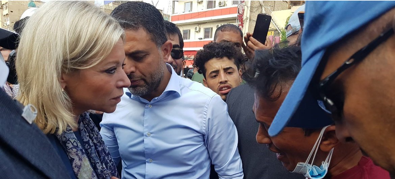 الممثلة الخاصة للأمين العام في العراق، جانين هينس بلاشارت، تزور ميدان التحرير في بغداد.