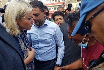 Специальный представитель Генерального секретаря в Ираке Джанин Хеннис-Пласшерт на площади Тахрир в Багдаде.