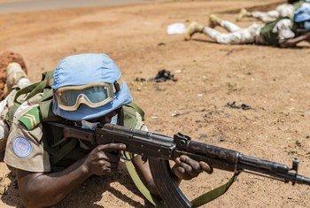 Forças de manutenção da paz se exercitam para eventuais incidentes que podem enfrentar no Mali