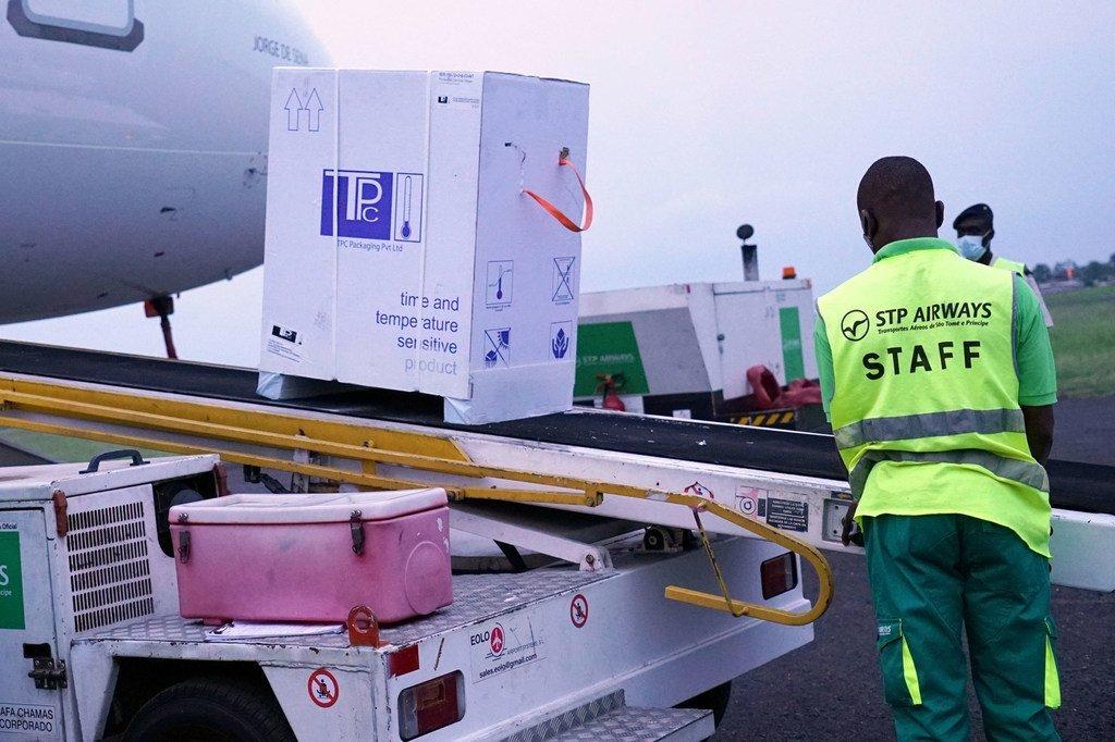 Las vacunas contra el COVID-19 llegan a Santo Tomé a través de las dependencias de COVAX.