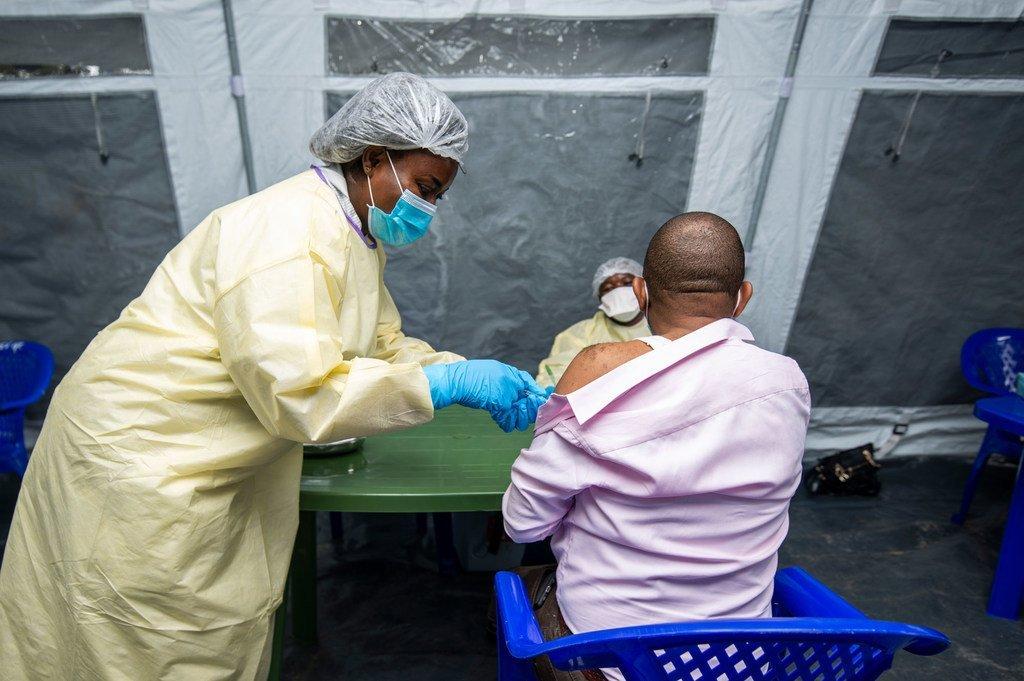 Une campagne de vaccination contre la Covid-19 est lancée à Goma, en République démocratique du Congo, avec les vaccins reçus dans le cadre de l'initiative COVAX.