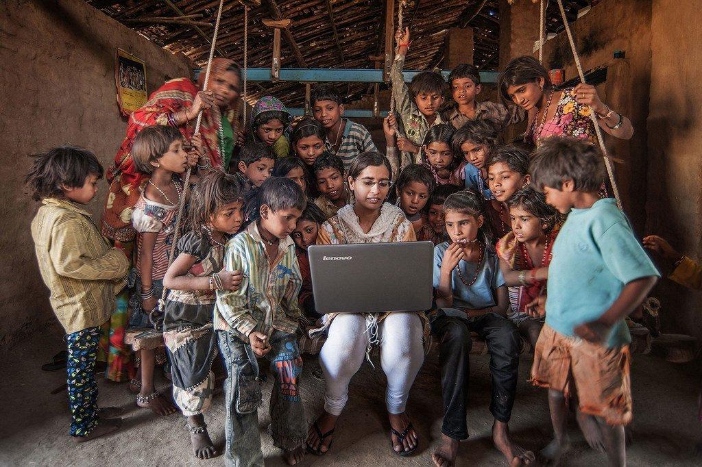 La connectivité internet, dans des pays comme l'Inde, est indispensable pour surmonter la pandémie et assurer un développement rural inclusif