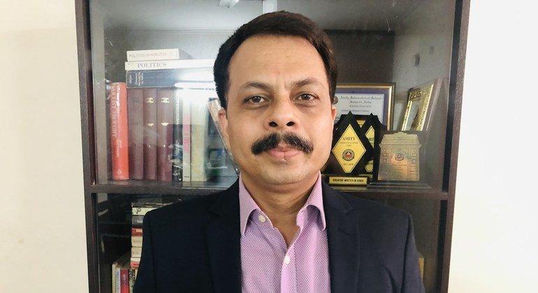 अन्तरराष्ट्रीय श्रम संगठन के भारत कार्यालय में नेशनल प्रोजेक्ट कोऑर्डिनेटर, रन्जीत प्रकाश.