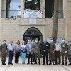 2020年8月10日,马家友市政府主要领导与中国维和医院官兵合影。