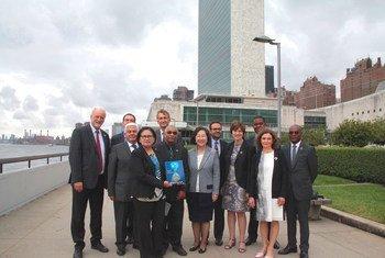 Les auteurs du rapport 'L'avenir, c'est maintenant : la science au service du développement durable' au siège de l'ONU à New York