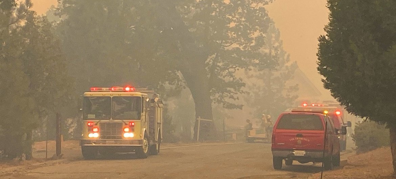 Forte impacto da fumaça dos incêndios florestais na Califórnia na atmosfera.