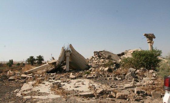 Edifícios destruídos em Multaqa, no Iraque