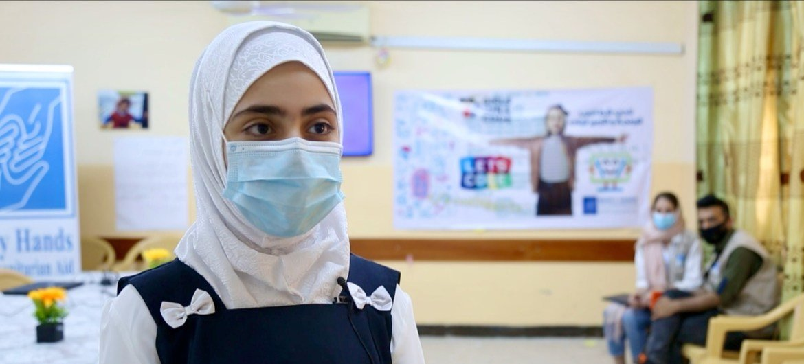 Narjis, a girl student in Basra, Iraq, who benefits from a UNICEF/WFP education stipend programme