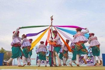 दक्षिण सूडान में यूएन मिशन में भारतीय नृत्य कला का प्रदर्शन.