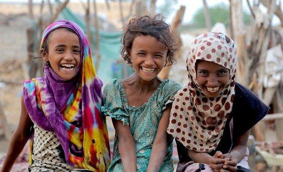 यमन में लाखों बच्चे कुपोषण की वजह से भारी मुसीबत का सामना कर रहे हैं, विशेष रूप से उन्हें बुनियादी स्वास्थ्य सेवाएँ भी मयस्सर नहीं हैं.