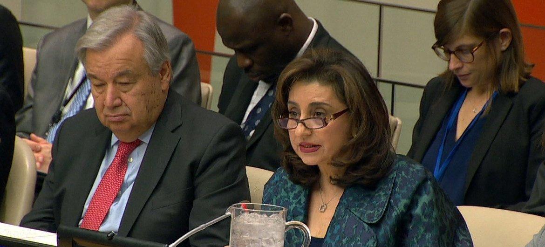 سيما بحوث، المندوبة الدائمة للأردن لدى الأمم المتحدة خلال حديثها في الجلسة الافتتاحية لمؤتمر إنشاء منطقة شرق أوسط خالية من الأسلحة النووية وغيرها من الأسلحة الأخرى ذات الدمار الشامل.