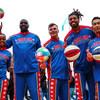 """全球顶尖""""哈林篮球队""""首次来到联合国总部表演花式篮球"""