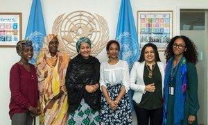 联合国常务副秘书长阿米娜·默罕默德与前来参加安理会女性、和平与安全公开辩论的民间社会代表间面。