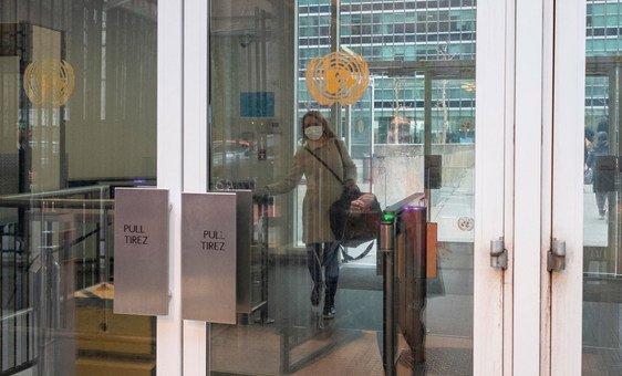 Na sede da ONU em Nova York, muitos funcionários estão trabalhando de casa.