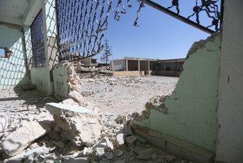 أضرار لحقت بمدرسة ابتدائية في إدلب شمال غرب سوريا في شباط-فبراير 2020
