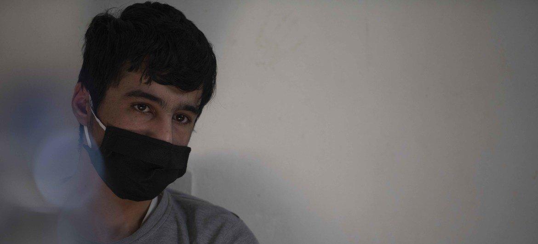 عامر (16 عاما) لجأ مع أسرته من سوريا إلى لبنان قبل 10 سنوات.