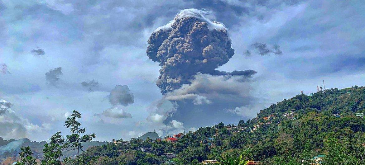 Volcanic eruption leaves 'entire population' of Saint Vincent without clean  water | | UN News