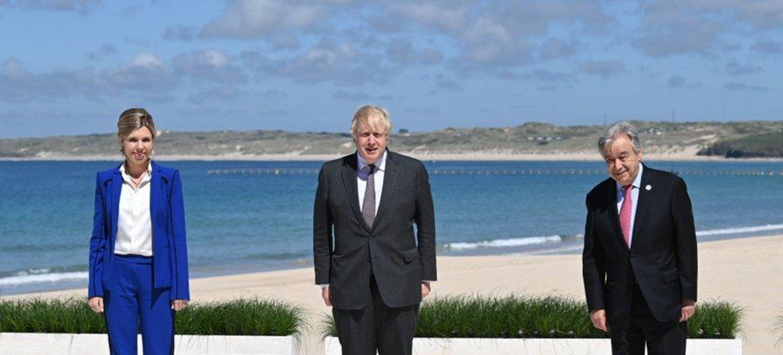 Генеральный секретарь ООН Антониу Гутерриш прибыл в Великобританию, где проходит саммит «большой семерки». Его встретили премьер-министр Великобритании Борис Джонсон с супругой