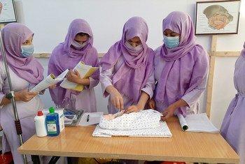 В последние годы девушки в Афганистане могли обучаться в вузах. При талибах даже обучение в школе - под вопросом.
