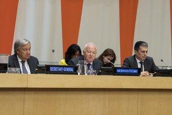 Presentación del Plan de Acción de las Naciones Unidas para la protección de los Sitios Religiosos. Miguel Ángel Moratinos (centro) se dirige a los Estados mimebros.