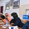 La Vice-Secrétaire générale de l'ONU, Amina Mohammed, (à droite) rencontre des femmes leaders à Mogadiscio, en Somalie.