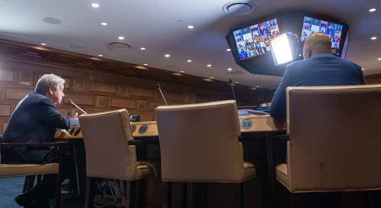 António Guterres também pediu que continue o engajamento para ajudar a levar a situação afegã a uma direção certa
