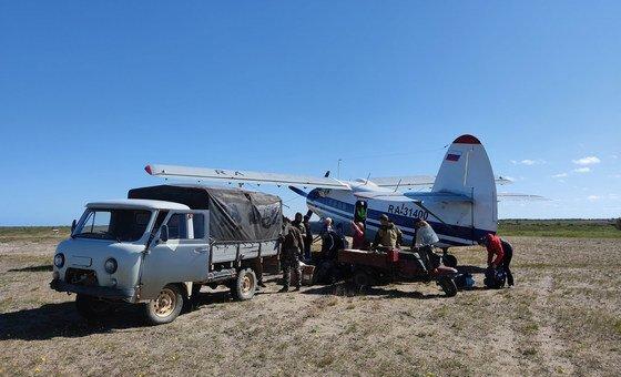 Добираться до берега Белого моря пришлось на самолете, а затем на автомобилях