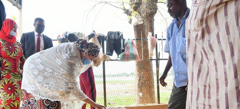 La Vice-Secrétaire générale de l'ONU, Amina J. Mohammed, est en visite de solidarité de deux semaines en Afrique de l'Ouest et au Sahel pour souligner le soutien des Nations Unies aux pays de cette région pendant la pandémie de Covid-19.