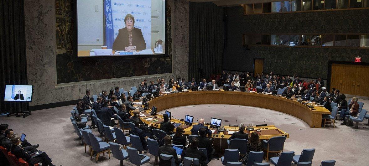 Bachelet defende que iniciativas para buscar a verdade permitem que as vítimas lembrem suas experiências.